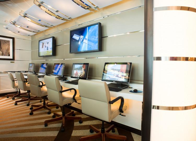 Princess Cruises Royal Class Interior cyber cafe.jpg