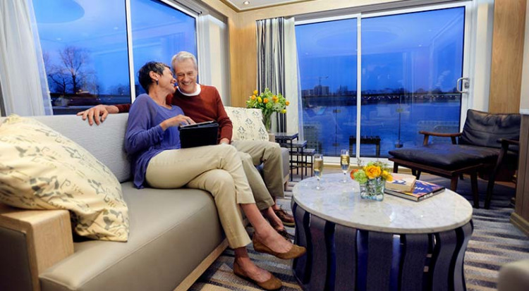 Viking River Cruises - Freya - Accommodation - Explorer Suite - Photo 2.jpg