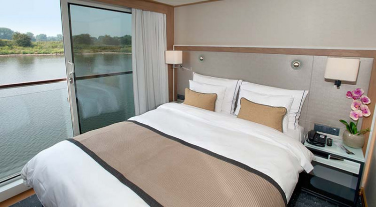 Viking River Cruises - Freya - Accommodation - French Balcony - Photo 1.jpg