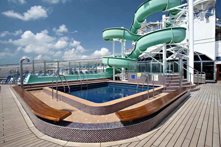 Carnival Glory Twister Waterslide 1.jpg