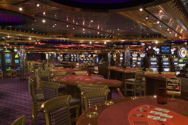 Carnival Splendor Royal Flush Casino 2.jpg
